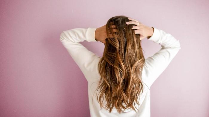 Rekomendasi Hair Oil Untuk Proteksi Rambut Saat Styling