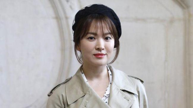 Song Hye-kyo resmi bergabung dalam The Glory, drama terbaru penulis Descendants of the Sun, Kim Eun-sook, yang menyoroti perundungan berujung balas dendam.
