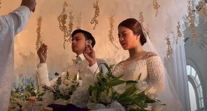 Keduanya melangsungkan pemberkatan pernikahan pada Sabtu (9/1/2021) sekitar pukul 10.00 WIB. (Foto: YouTube Felicya Angellista)