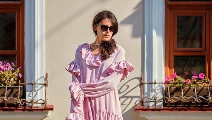 Punya Baju Kebesaran? Ini Cara Mengecilkan Baju Sesuai dengan Bahan