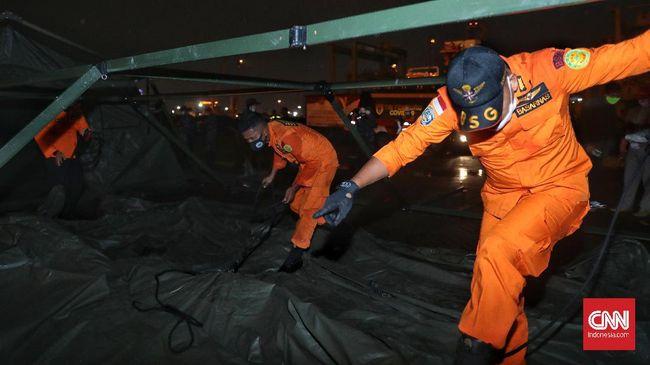 Polri menyiapkan tiga posko korban pesawat jatuh Sriwijaya Air di RS Polri Kramatjati, yaitu posko ante mortem, post mortem, dan family assistance.