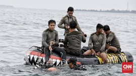 Campur Aduk Emosi Penyelam SAR Sriwijaya Air SJ 182