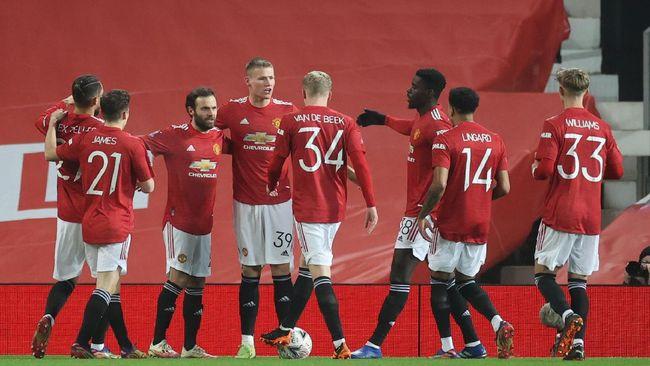 Klasemen Liga Inggris pekan ke-18 mengalami perubahan usai hasil yang didapat Manchester United dan Manchester City.