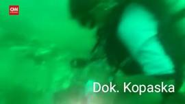 VIDEO: Penyelaman Tim Kopaska Cari Puing Sriwijaya SJ 182