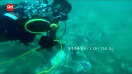 VIDEO: Penyelam TNI AL Temukan Puing Diduga Turbin SJ 182