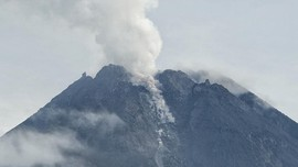 Gunung Merapi Keluarkan 8 Kali Guguran Awan Panas