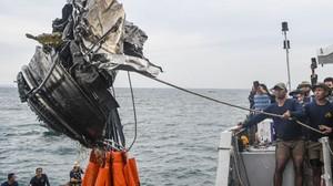 FOTO: Temuan Hari Ketiga Operasi Pencarian Sriwijaya SJ 182