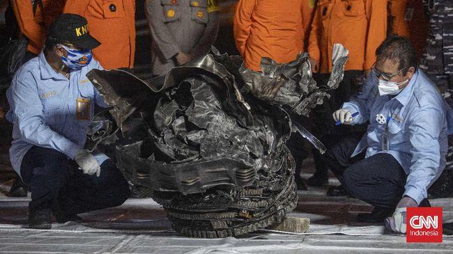 Dubes Uni Eropa untuk Indonesia, Vincent Piket, menyatakan belasungkawa atas kecelakaan pesawat Sriwijaya Air SJ 182 dan longsor di Sumedang.