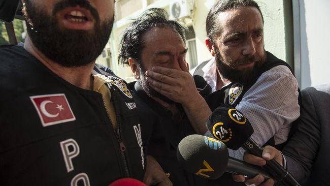 Hakim pengadilan Turki menjatuhi hukuman penjara 1.075 tahun kepada Harun Yahya, pemimpin sekte yang terlibat skandal seks terhadap perempuan.