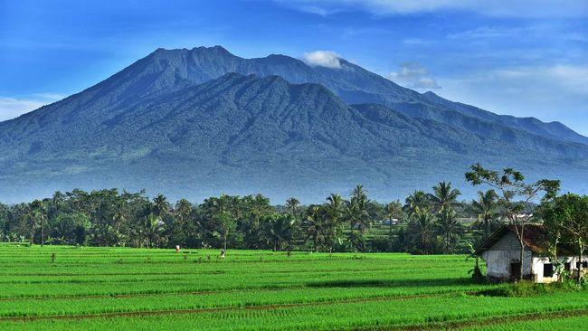 Gubernur Jawa Barat Ridwan Kamil menuturkan ada dua daerah yang masuk zona merah, yakni Kabupaten Bandung Barat dan Kota Tasikmalaya.