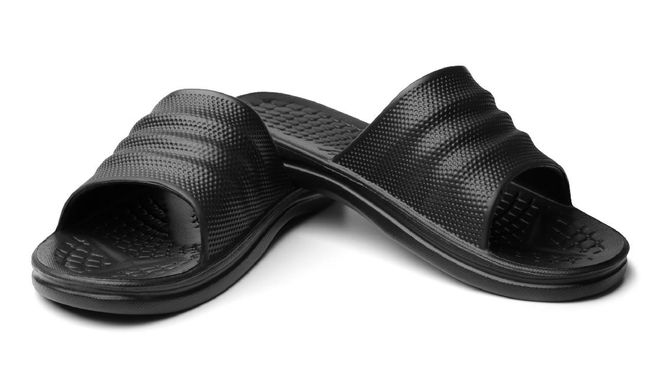 Sebuah label sandal mewah di Inggris membuka lowongan pekerjaan yang cukup unik yaitu mencoba sepasang sandal dengan gaji Rp76 juta per tahun.