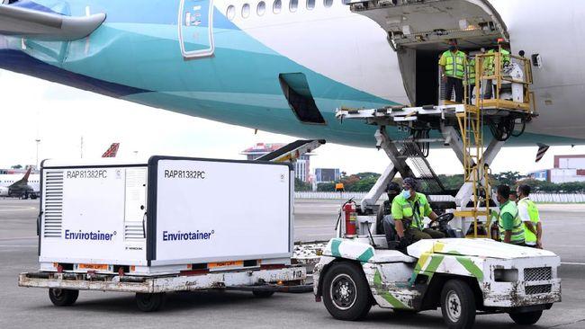 Indonesia kembali menerima 6 juta bahan baku atau bulk vaksin Sinovac pada pengiriman tahap ke-delapan.