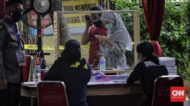 Tim Disaster Victim Identification RS Polri hari ini mengidentifikasi enam jenazah korban jatuhnya pesawat Sriwijaya Air SJ 182.