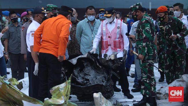Ketua KNKT menyatakan membutuhkan setidaknya dua sampai tiga hari membuka isi rekaman data penerbangan (FDR) black box Sriwijaya Air untuk kemudian diteliti.