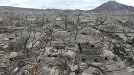 FOTO: Kota Hantu di Kaki Gunung Api Filipina