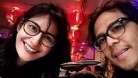 <p>Raihaanun rupanya cinlok alias cinta lokasi dengan sutradara film <em>Badai Pasti Berlalu</em>, Teddy Soeriaatmadja. Mereka pun menikah pada 2007, tahun yang sama dengan rilis film tersebut. (Foto: Instagram @raihanuun)</p>
