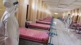 Barak-barak di Secapa AD, Kota Bandung, dioperasikan sebagai Rumah Sakit Darurat Covid-19 dengan kapasitas 180 pasien.