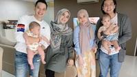 <p>Pasangan selebriti Cut Meyriska-Roger Danuarta dan Citra Kirana-Rezky Adhitya sudah dikaruniai seorang anak laki-laki, Bunda.(Foto: Instagram @cutratumeyriska)</p>