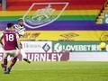 FOTO: Tendangan Voli Pogba yang Bawa Man Utd Gusur Liverpool