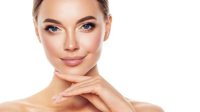 Jelang Lebaran, banyak orang berbondong-bondong menjalani prosedur perawatan kulit wajah untuk tampil cantik di hari raya.