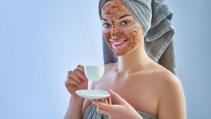 5 Manfaat Tak Terduga dari Masker Kopi, Bikin Kulit Glowing!