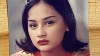 <p>Kini, Mona Ratuliu dan Indra Brasco sudah dikaruniai empat anak. Nah, di foto ini, banyak yang bilang Mona mirip putri sulungnya, Davina Shava Felias atau akrab disapa Mima. Menurut Bunda? (Foto: Instagram @monaratuliu)</p>