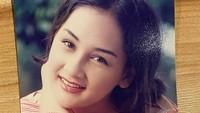 <p>Setelah hampir lima tahun berpacaran, Mona Ratuliu dan Indra Brasco menikah pada 14 September 2002. Saat itu, usia Mona baru 20 tahun. (Foto: Instagram @monaratuliu)</p>