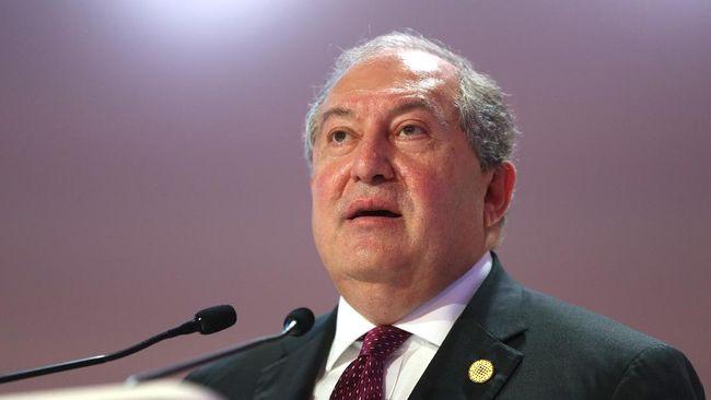 Presiden Armenia, Armen Sarkissian, tengah dirawat di rumah sakit karena mengidap virus corona (Covid-19).