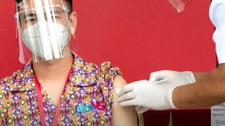 Kemenkes Sesalkan Raffi Nongkrong Tanpa Masker Usai Vaksinasi