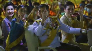 Istana Rilis Foto Raja Thailand dan Selir Sapu Penjara