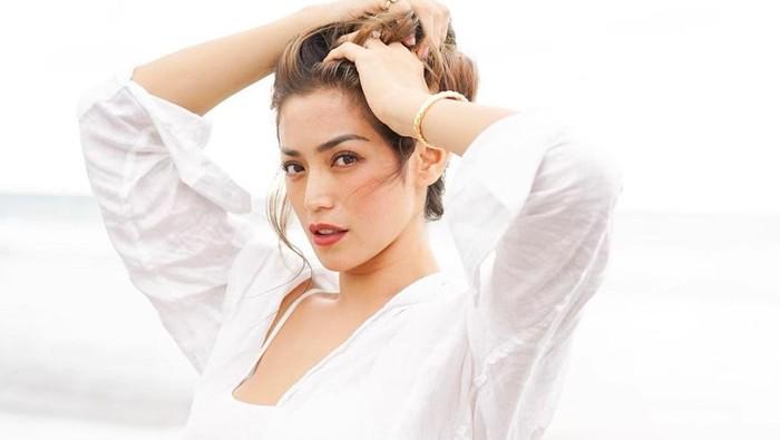 10 Potret Body Goals Jessica Iskandar, Bikin Iri!