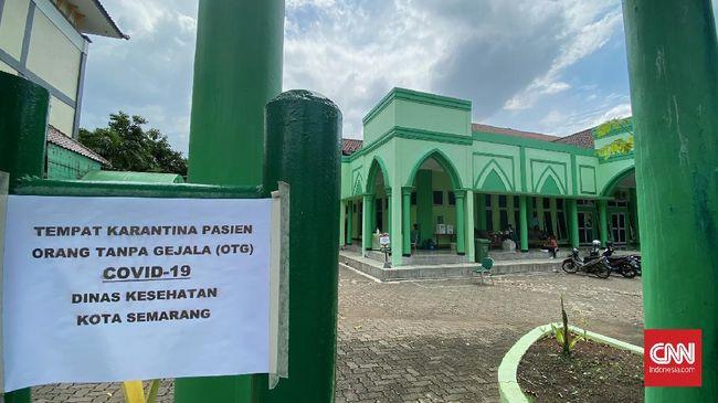 Lonjakan kasus Covid-19 di Semarang buntut libur panjang membuat Pemkot memutuskan untuk menjadikan Asrama Haji sebagai tempat isolasi pasien OTG.