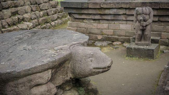 Jejak lingga dan yoni sebagai simbol kesuburan terpatri di berbagai arca Indonesia, mulai dari peninggalan zaman Kerajaan Majapahit sampai Monumen Nasional.