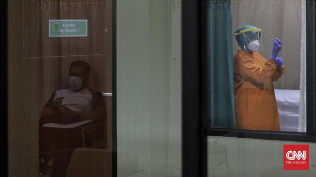 Sebanyak 21 tokoh di Jakarta akan mendapatkan suntikan pertama vaksin Covid-19 pada Jumat (15/1) sekitar pukul 08.00 WIB.