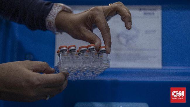 Sebanyak 10 juta juta dosis vaksin Sinovac tahap lima tiba di Indonesia dan akan diproses lebih lanjut di Bio Farma.
