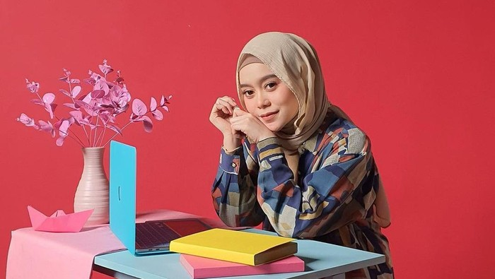 7 Gaya Hijab Cantik Lesti Kejora, untuk Daily Sampai Formal