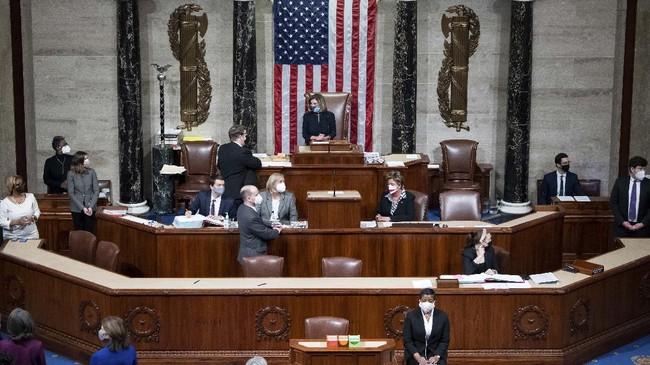 Mayoritas anggota parlemen Amerika Serikat menyatakan setuju atas usulan pemakzulan terhadap Presiden Donald Trump.