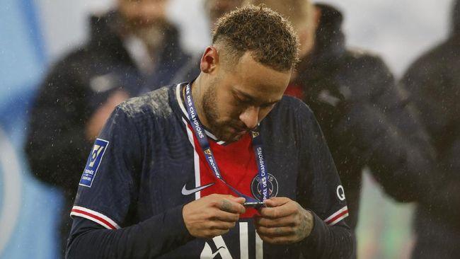 Bintang Brasil dan Paris Saint Germain, Neymar, mengungkapkan pemain sempurna versinya dengan mengkombinasikan sembilan pemain top dunia.