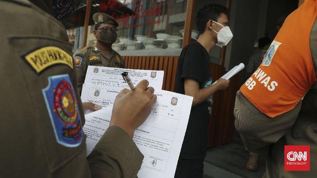 Satpol PP memiliki sejumlah kewenangan khusus untuk menindak dugaan pelanggaran prokes covid-19 yang tertuang di Perda DKI.