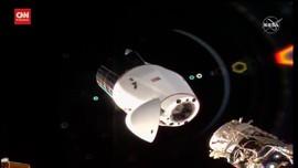 VIDEO: SpaceX Pulang ke Bumi Bawa Anggur