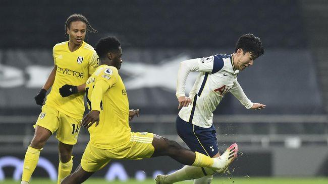 Tottenham Hotspur harus puas bermain imbang 1-1 saat menjamu Fulham pada pekan ke-18 Liga Inggris.