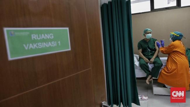 Pemerintah Klaim Penuhi Target Vaksinasi 1,4 Juta Nakes
