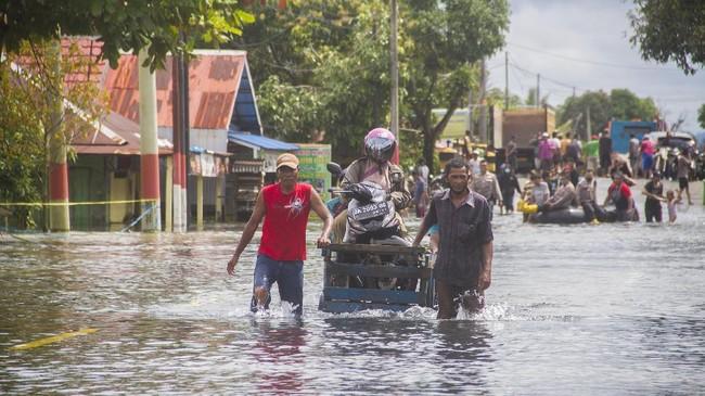 Lima Korban Tewas Banjir Kalsel Ditemukan, Puluhan Hilang