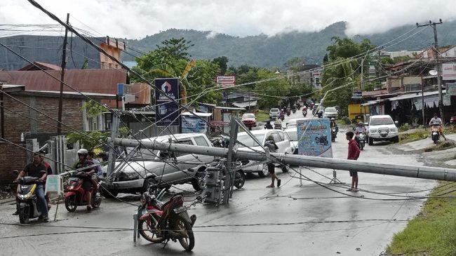 Fakta-fakta terkait dengan gempa yang terjadi di Sulawesi Barat, pada Jumat (15/1).