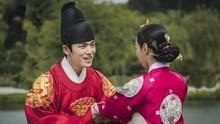 Canda Mesra Kim Jung-hyun dan Shin Hye-sun Syuting Mr. Queen