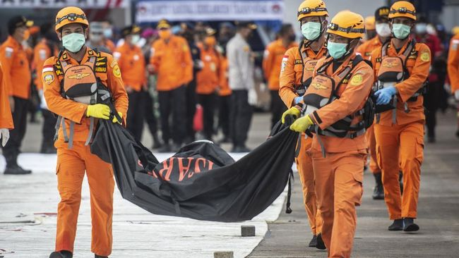 Tim DVI RS Polri kembali berhasil mengidentifikasi 5 korban Sriwijaya Air SJ 182 hari ini, sehingga total yang telah teridentifikasi menjadi 29 jenazah.