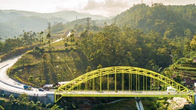 >Jembatan 'Rasa' Australia di Cukang Monteng Garut