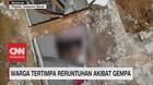 VIDEO: Warga Tertimpa Reruntuhan Akibat Gempa