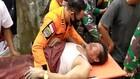 VIDEO: Aksi Heroik Tim SAR Evakuasi Korban dari Reruntuhan