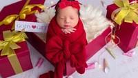 <p>Asmirandah melahirkan pada 25 Desember lalu, tepat perayaan hari Natal. Putrinya diberi nama yang cantik yaitu Chloe Emmanuelle Van Wattimena. (Foto: Instagram @asmirandah89)</p>